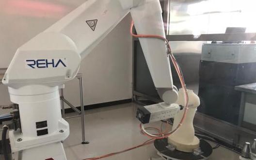 假肢制造机器人有什么优势?