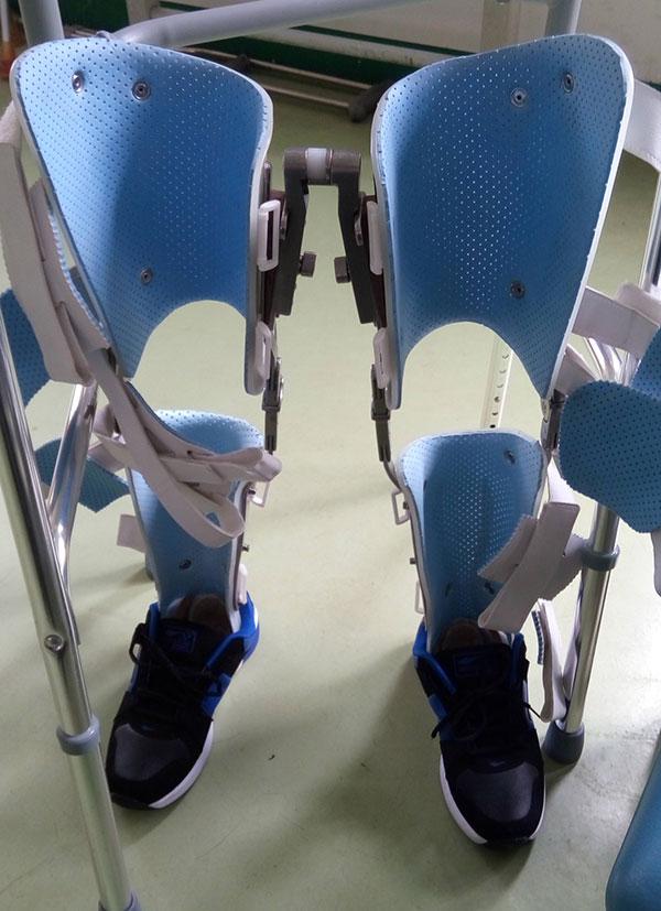 低位截瘫行走器|佳满假肢